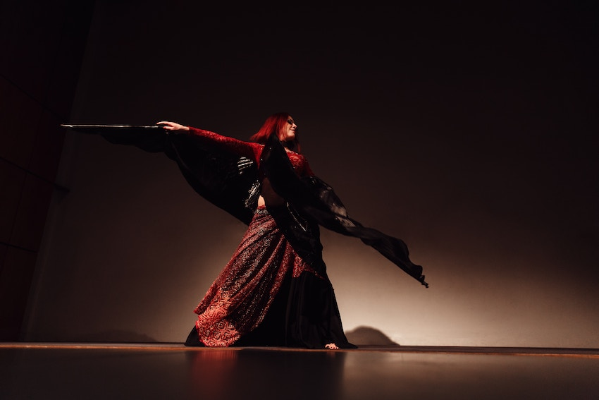 Ven a clases de Danza Oriental en Sincrónica Danza
